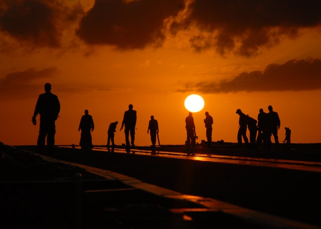 workers_at_sunset